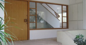 Centrally located villa for rent/ sale